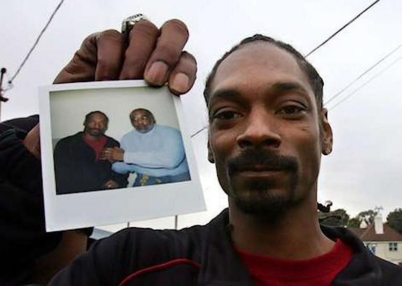 Snoop Dogg mostra una foto scattata in compagnia di Stanley Tookie Williams