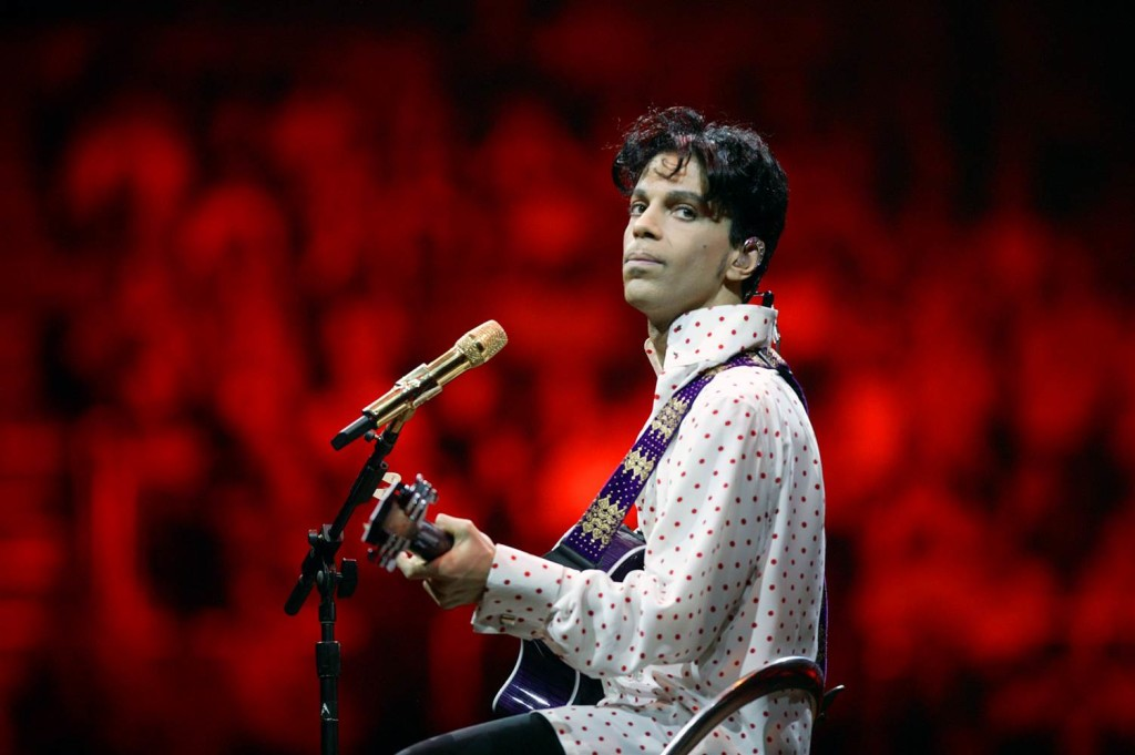 Prince all'Assembly Hall di Champaign (Illinois), nel 2004.