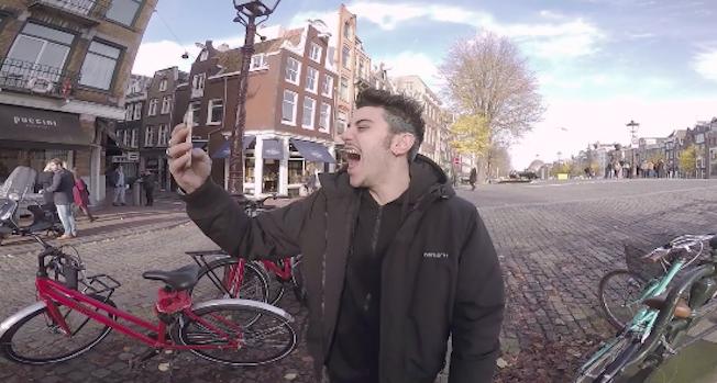 Le Foto Del Nuovo Starbuks Ad Amsterdam : Izi quot il nuovo disco sta prendendo forma video girato ad